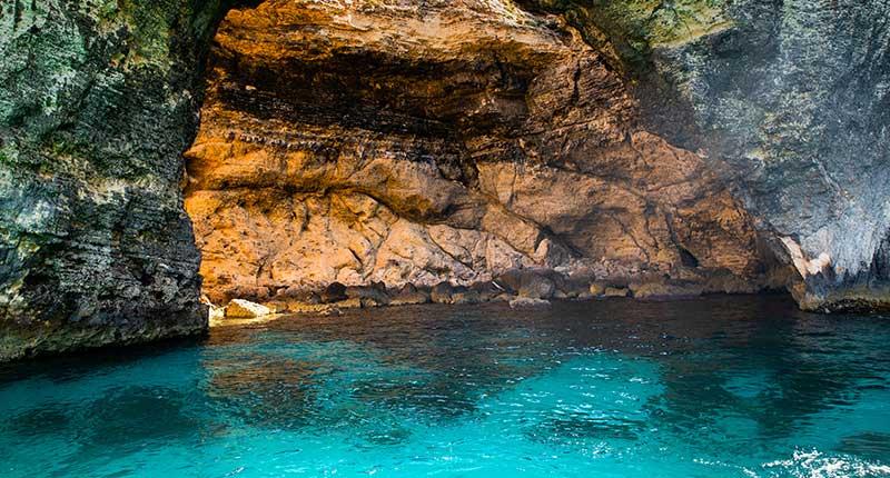 comino-eiland-komijn-cave-eliza-was-here