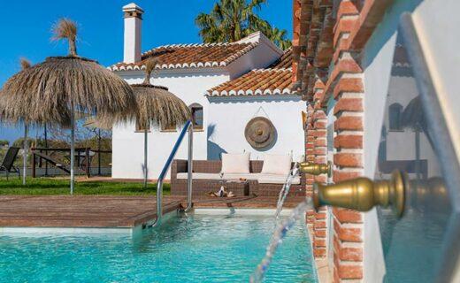 Winterproof adresjes met een verwarmd zwembad