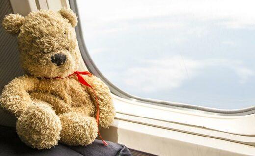 Op vakantie reizen met baby in vliegtuig